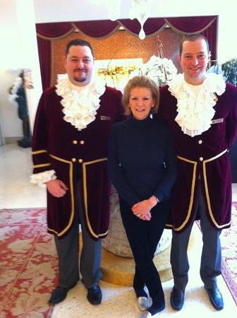 Hotel a La Commedia: Reception staff
