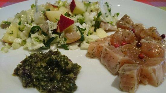 Chambres d'Hotes Schnell: tartare de saumon et salade d'hiver