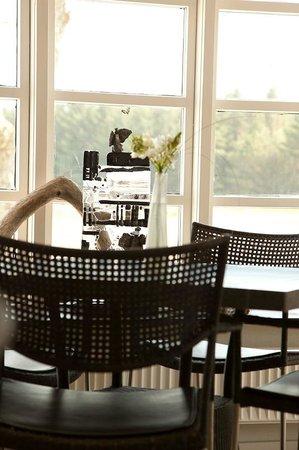 Klitrosens gormet restaurant med lækker møbler i dansk design - Foto ...