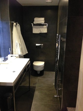 The Inn on the Mile : Bathroom in room 3