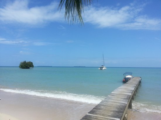 Popa Paradise Beach Resort : Paradise Found at Isla Popa