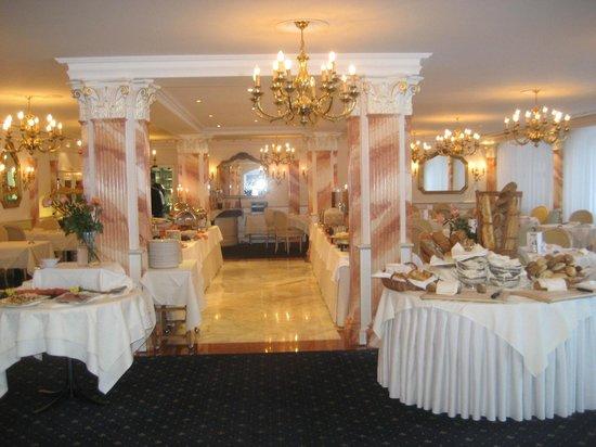 Hotel Schweizerhof Gourmet & Spa : salle  à manger