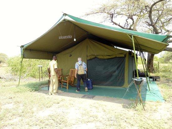 Lake Natron Halisi Camp: esterno tenda