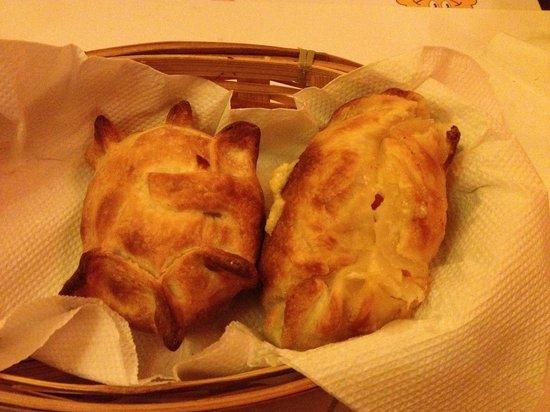 Las Charruitas Empanadas: Empanadas.