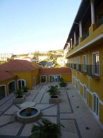 Dolce CampoReal Lisboa: Patio interno