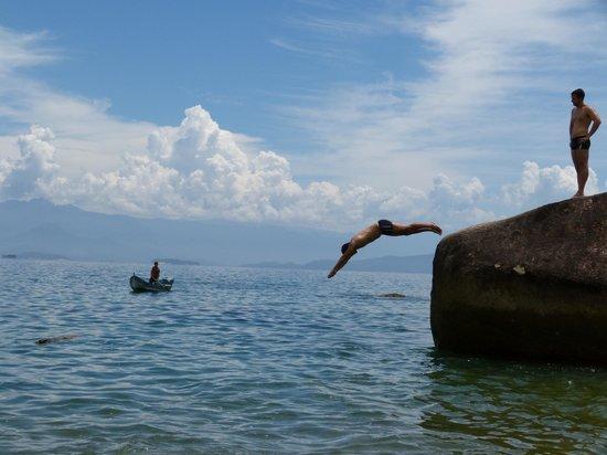 Pousada Lagamar : La playa de la piedra