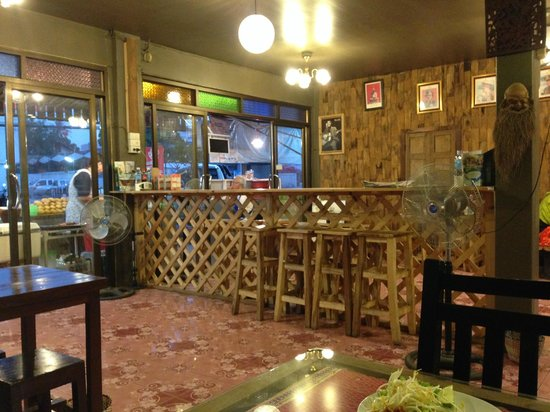 Barrab : Inside restaurant
