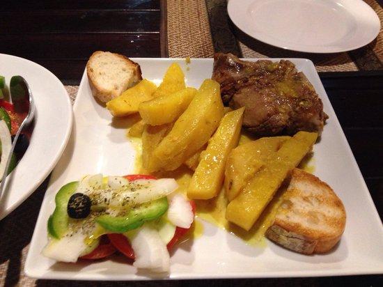 Pattayanis Greek Taverna : Slow cooked lamb. 420baht for a lot of potatoes little lamb