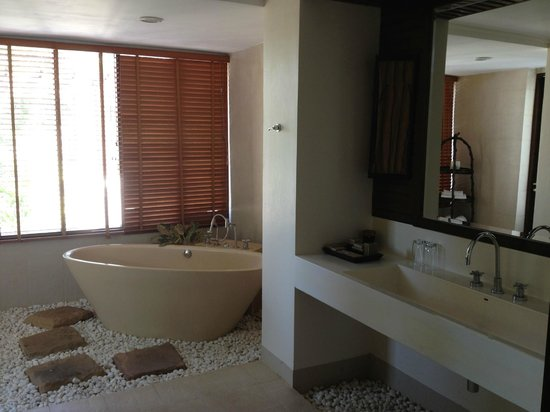 Absolute Chandara Resort & Spa: salle de bain