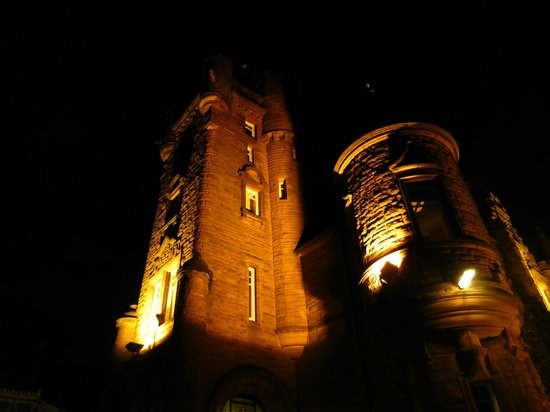 Sherbrooke Castle Hotel: Night time