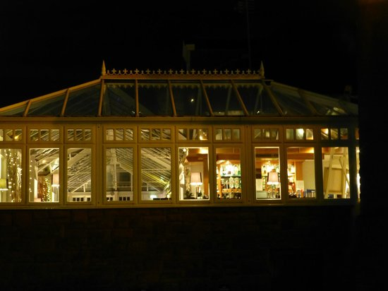 Sherbrooke Castle Hotel: Conservatory at night