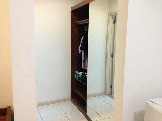 Alice Vitoria Hotel : Closet