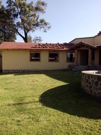 BEST WESTERN Sierra Mazamitla: area de cabañas independientes