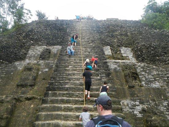 Belize Cruise Excursions: Lamanai Ruins