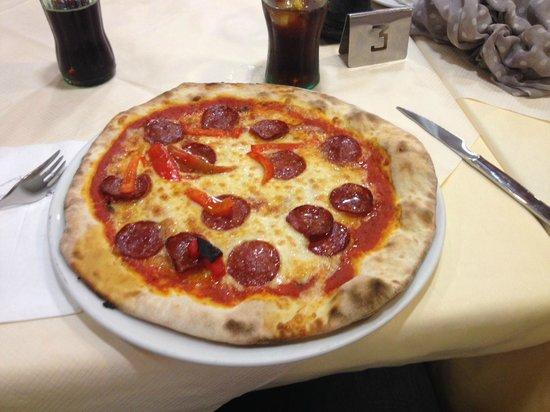 La Bodeguita: Very good pizza!