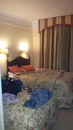The Ardilaun Hotel : Double amd single bed availble in our room