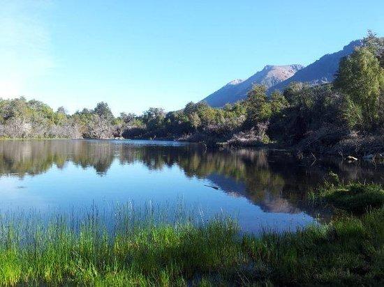 Poncho Moro Lodge: laguna