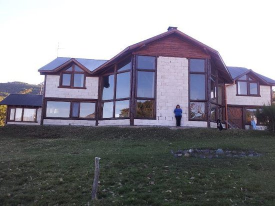 Poncho Moro Lodge: frente del lodge