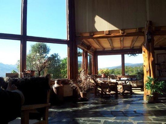 Poncho Moro Lodge: hall