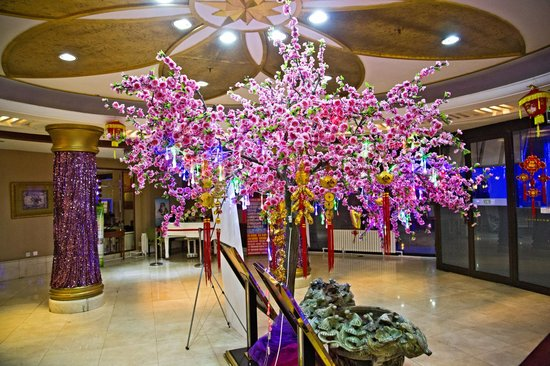 Tianzhi Hotel Harbin: Reception decorated ready for the Spring Festival / Chinese New Year