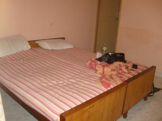 Vinodhara Guest House : Chambre1