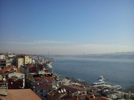 Sed Hotel: The perfect view on Bousphorus bridge.
