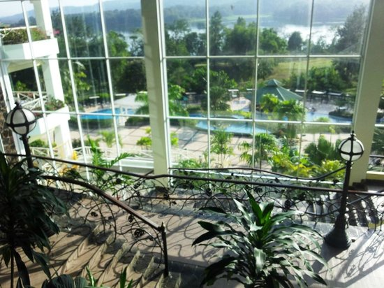 Gamboa Rainforest Resort : View from the main lobby overlook pool area and river.