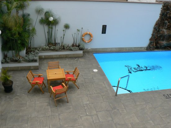 Radisson Hotel & Suites San Isidro : pool