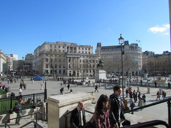 Trafalgar Square : Side view