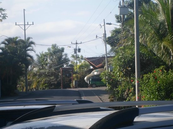 Falls Resort at Manuel Antonio: El Avion - Great bar (2min walk)