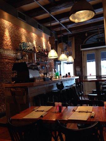 Cafe Restaurant In de Buurt: Entrada do restaurante