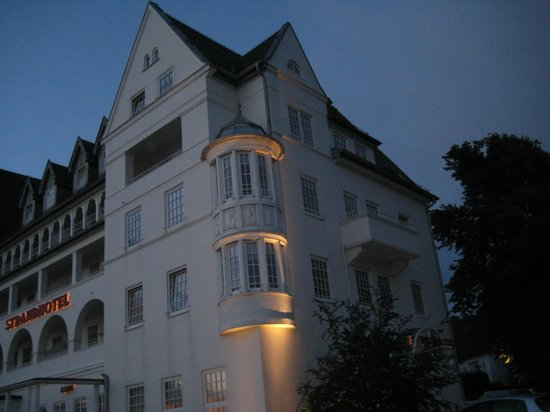 Strandhotel Glucksburg: Stemning i mørket.