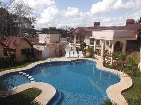 Restaurant y Hotel Calakmul: Espace piscine au 24 février 2014.