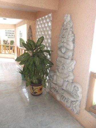 Restaurant y Hotel Calakmul: Joliment décoré - 24/02/2014.