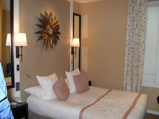 Best Western Plus Hotel Sydney Opera: stanza pulita ma piccola