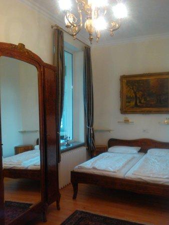 Hotel Rotdorn: Schlafzimmer