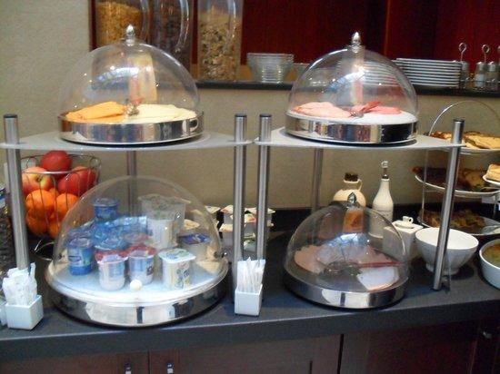 BEST WESTERN Hotel Sydney Opera: ricco buffet