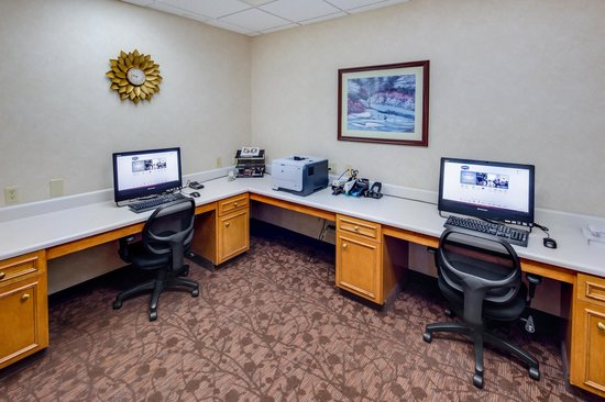 Hampton Inn & Suites Augusta West: Business Center
