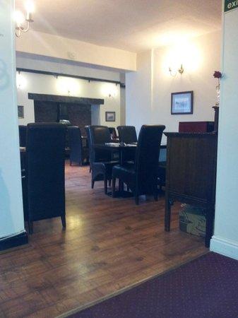 The Hand Hotel: breakfast room