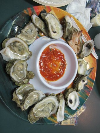 Joe's Oyster Bar: Raw oysters