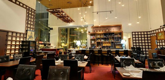 Ristorante Amarone: Main entrance & bar