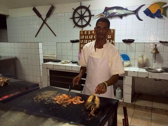 Captain Cook Restaurant : Raul the chef.