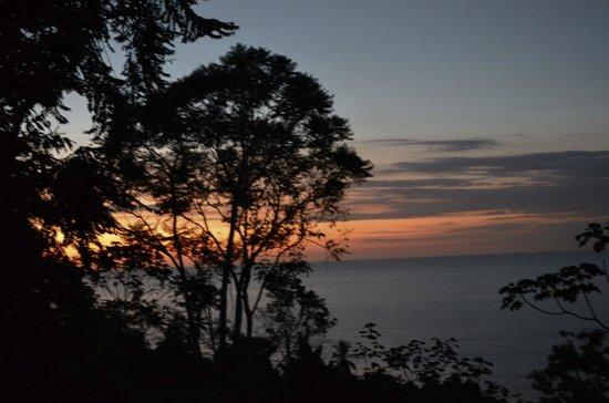 La Paloma Lodge: sunset from main eating area