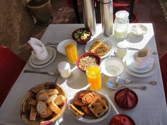 Riad Tizwa: breakfast
