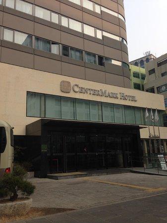CenterMark Hotel: Hotel facade