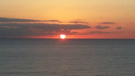 Sonesta Fort Lauderdale Beach: First Sunrise