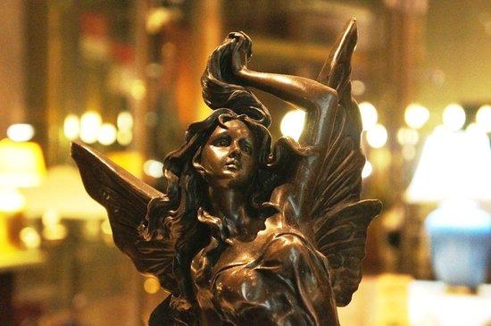 Ristorante Amarone: Art piece at Amarone