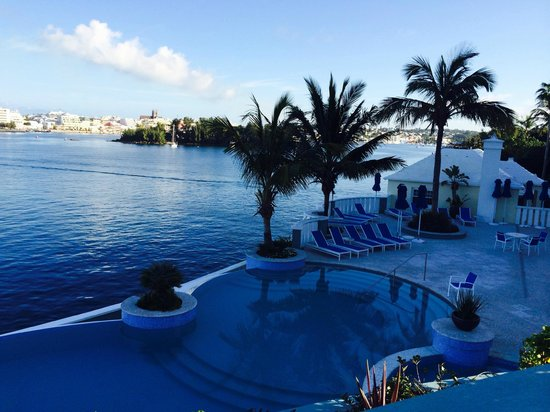Newstead Belmont Hills Hotel : pool area