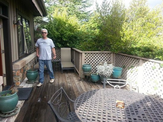 Wine Country Inn & Cottages: Deck
