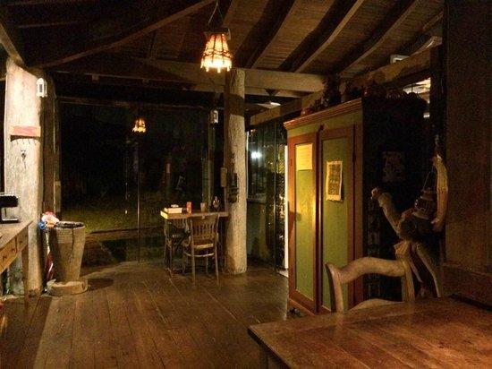 Hospedaria Ponta Da Piteira: À noite
